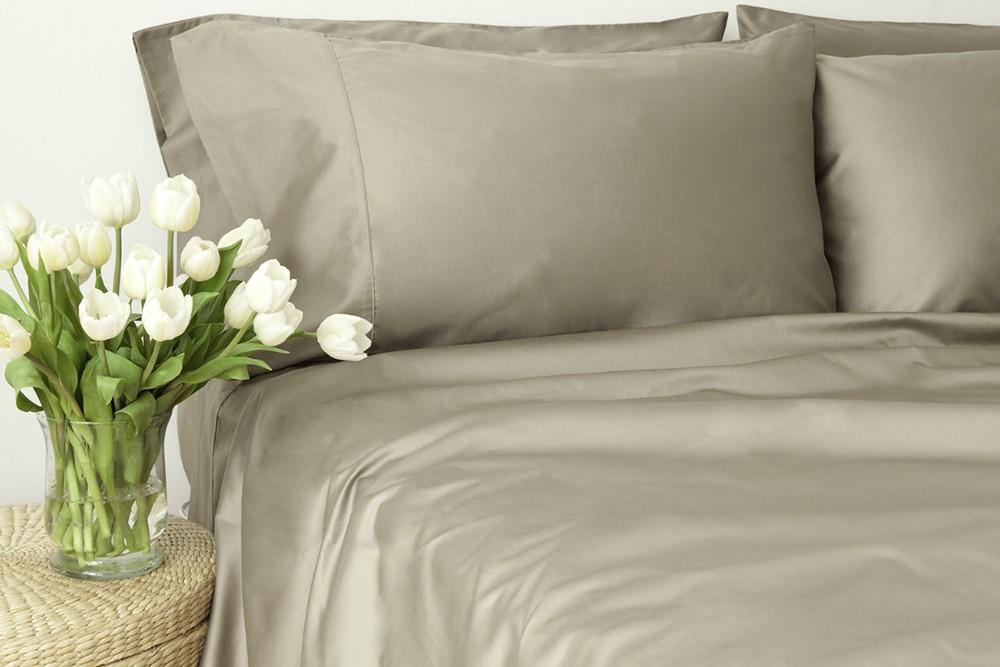 set de draps en satin gris maison coton et textiles certifi s quitable et biologique. Black Bedroom Furniture Sets. Home Design Ideas
